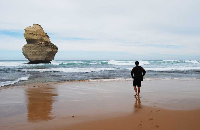 travelling australia alone