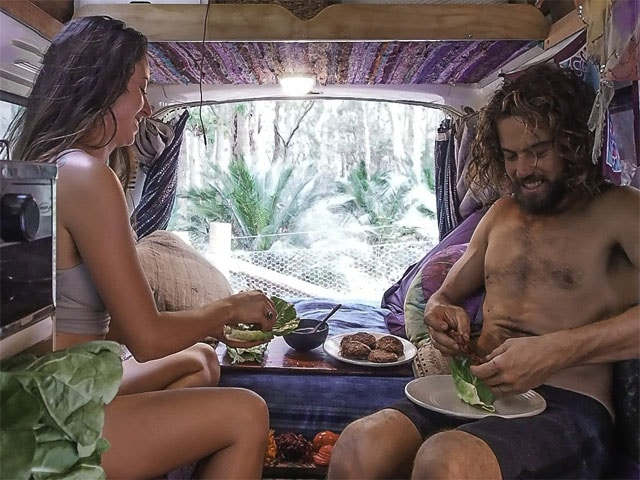 Barefootsmileslife-sustainable and healthy travel